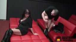 Swinger Treff im deutschen Pornkino Teil 3